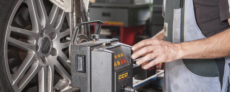Achsvermessung per Laser nach Unfall oder ungleichmäßigem Reifenverschleiß